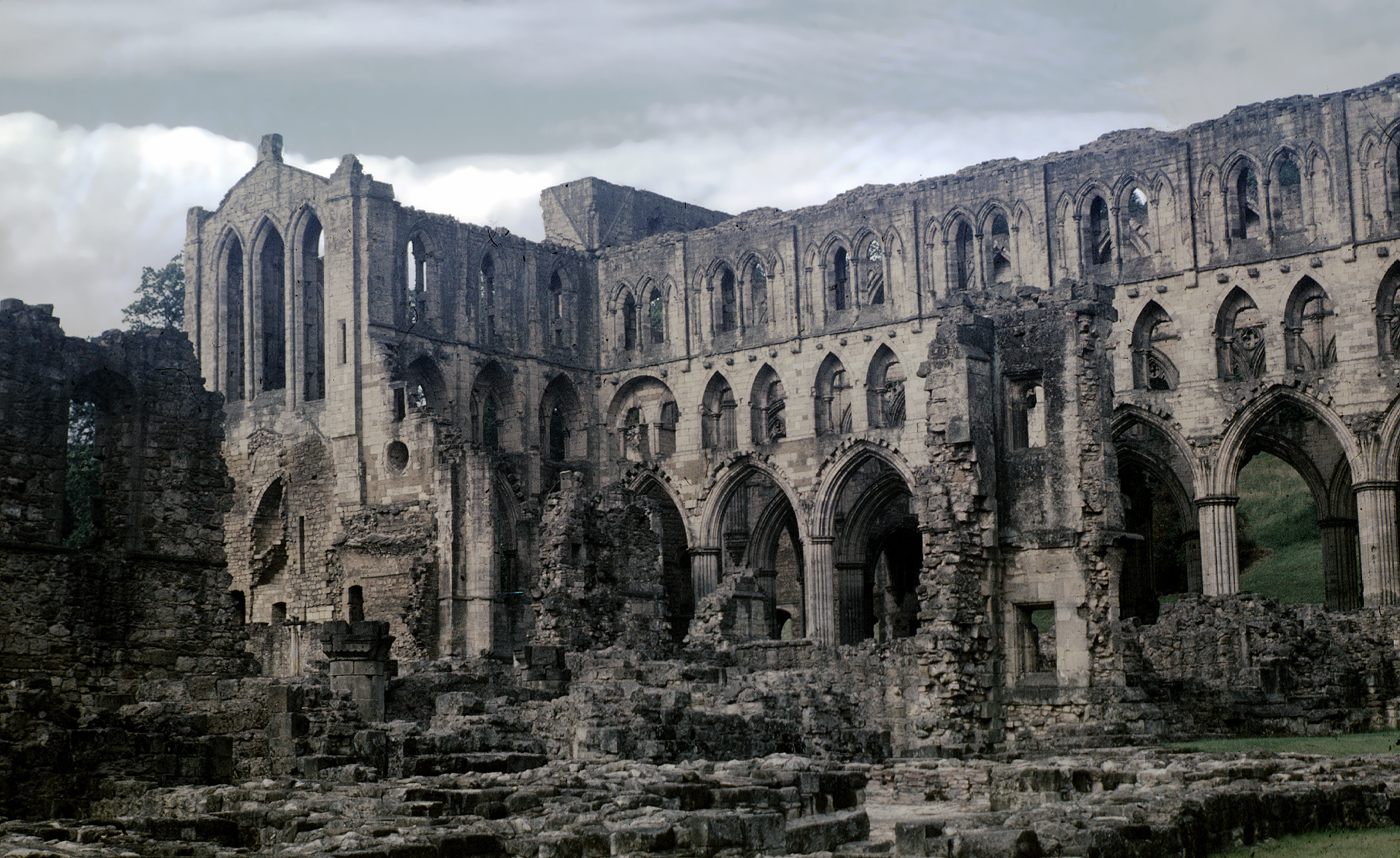 Medieval rievaulx abbey for Architecture gothique
